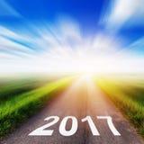 Leere Asphaltstraße und Konzept 2017 des neuen Jahres Lizenzfreie Stockfotografie
