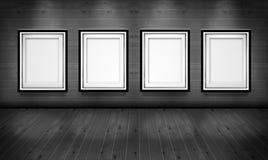Leere Bilderrahmen im Kunstgalerieraum Stockfotografie