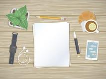 Leere Blätter des Papiers auf dem Desktop Draufsicht Vorbereitung für Arbeit, Anmerkungen, Skizzen Lizenzfreie Stockfotos