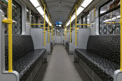 Leere BVG-Untergrundbahn U-Bahn/Metrozug in Berlin Lizenzfreie Stockfotografie