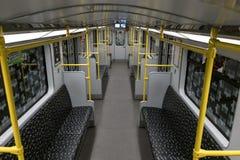 Leere BVG-Untergrundbahn U-Bahn/Metrozug in Berlin Stockfoto