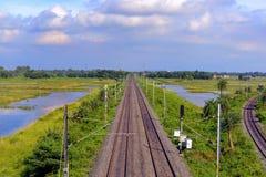 Leere Eisenbahnlinien lizenzfreie stockfotografie
