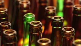 Leere Flaschen, die Draufsicht, kleine Tiefe von Schärfe stock video