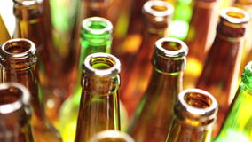 Leere Flaschen, die Draufsicht, kleine Tiefe von Schärfe stock video footage