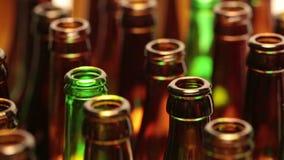Leere Flaschen, die Draufsicht, kleine Tiefe von Schärfe stock footage