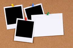 Leere Fotodrucke mit Karteikarte Stockbild