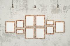 Leere Fotorahmen auf der Wand Stockfotografie