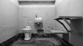 Leere Gefängnis-Zelle lizenzfreie stockfotos