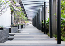 Leere Halle im modernen Gebäude Lizenzfreie Stockbilder