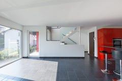 Leere Innenküche des modernen Hauses, Esszimmer lizenzfreie stockbilder