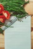 Leere Liste mit Gemüse herum Lizenzfreies Stockfoto