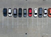 Leere Parkplätze im Supermarkt, Vogelperspektive Lizenzfreies Stockfoto