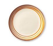 Leere Platte mit orange Musterrand, keramische Platte mit gewundenem Muster in den Aquarellarten, lokalisiert auf weißem Hintergr lizenzfreies stockbild