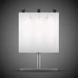 Leere quadratische Modellanschlagtafel mit Scheinwerfern und Lizenzfreie Stockfotos