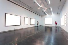 Leere Rahmen im Museum Stockfotografie