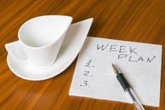 Leere Schale mit Handschriftswochenplan auf Serviette 2 Lizenzfreie Stockfotos