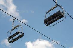 Leere Sesselbahn Stockbilder