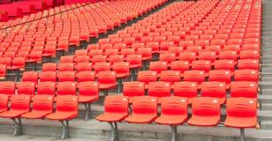 Leere Sitze des Stadions Stockfotos
