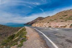 Leere Straße in Cabo De Gata, Spanien Lizenzfreie Stockfotos
