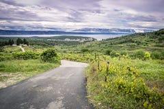 Leere Straße Hvar-Insel, Kroatien stockbild