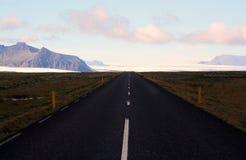 Leere Straße in Island Lizenzfreie Stockfotografie