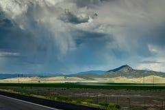 Leere Straße in Richtung zu Bryce Canyon in Utah Vereinigte Staaten von Ameri Stockfotografie