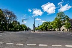 Leere Straße von Juni 17. in der deutschen Hauptstadt Berlin Lizenzfreies Stockfoto