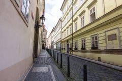 Leere Straße von Prag Stockfotos