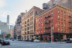 Leere Straßen Tribeca-Bezirkes an einem sonnigen Tag in New York Lizenzfreie Stockfotografie