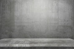 Leere Tischplatte bereit zur Produktanzeigenmontage; Zementtabelle und grauer Zementhintergrund Lizenzfreies Stockbild