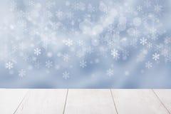 Leere Tischplatte und abstrakten Winter des Hintergrundes verwischen leer stock abbildung