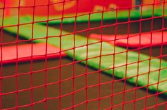 Leere Trampolinen in der Kinderzone lizenzfreies stockfoto