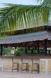 Leere tropische Erholungsort-Stange Lizenzfreies Stockfoto