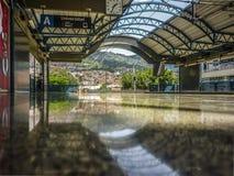 Leere U-Bahnstation in Medellin Kolumbien Stockbild