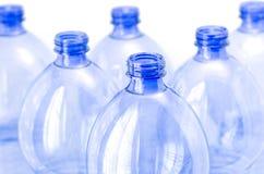 Leere Wasserflaschen Stockfotos