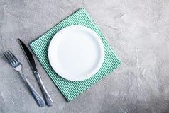 Leere weiße Platte mit nupkin Lizenzfreies Stockfoto