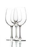 Leere Weingläser auf Weiß Stockbild