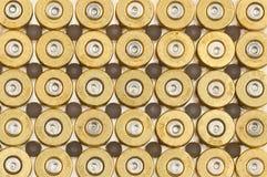 Leeren Sie 9mm Gewehrkugelgehäuse Stockfotos