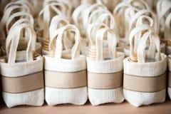 Leeren Sie den kleinen Sack, der vom Leinen auf Segeltuch hergestellt wird lizenzfreie stockfotos