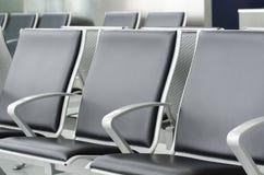 Leeren Sie Flughafensitze Lizenzfreie Stockbilder