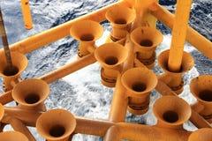 Leeren Sie Schmieröl und Gas, Schlitze produzierend Stockfoto