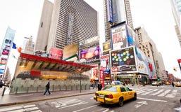 Leeren Sie Times Square im Morgen Stockbild
