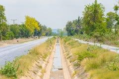 Leerer Abzugsgraben ohne Wasser von El- Ninoeffekt in Thailand Lizenzfreie Stockfotografie