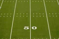 Leerer amerikanischer Fußballplatz Stockbilder