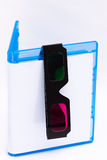 Leerer Blaustrahl Plattenkasten mit Gläsern 3D Stockbilder