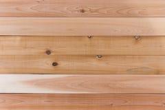 Leerer Cedar Wood Wall mit horizontaler Orientierung Stockfotografie