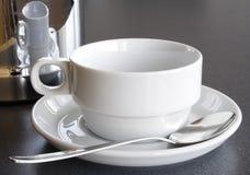 Leerer Cup-und Kaffee-Potenziometer Stockfotos