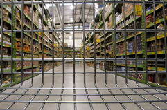 Leerer Einkaufen-Laufkatze-Wagen Stockfotografie