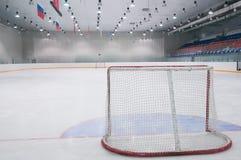 Leerer Eishockeyspielplatz Stockfotografie