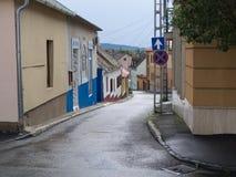 Leerer Frühsommermorgen der Straßen Stockfoto